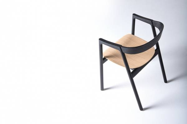 Bilde av Gazzda muna chair, black lacquered